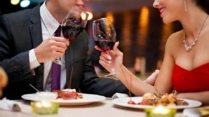 Rượu vang 'sống' được bao lâu?